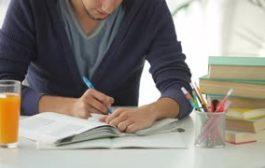 دي ماه و درس خواندن در فصل امتحانات